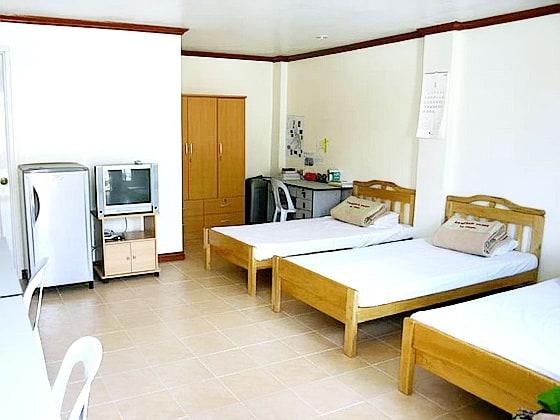 Fella 1 -room03