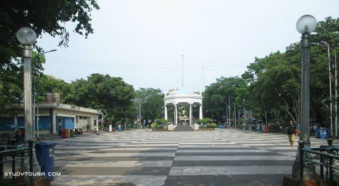 巴科洛德市民广场